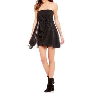 [4] Free People Chiffon Strapless Bow Tie Dress